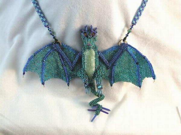 этот дракоша охраняет наш блог, так что и вас тоже!