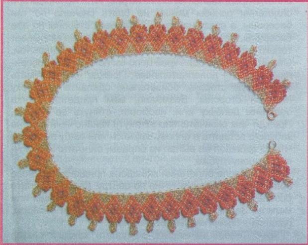 Гранатовое колье из бисера