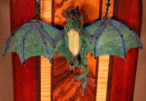 Драконы из бисера и другие животные от Karly Manley Плетение бисером 389=564.