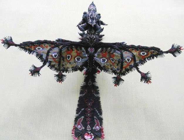 Дракон из бисера.  Схема и мастер-класс. .  Дракон - символ 2012 года.