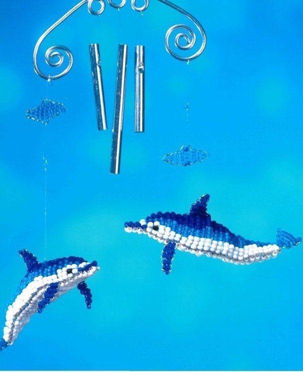 Объемный дельфин из бисера