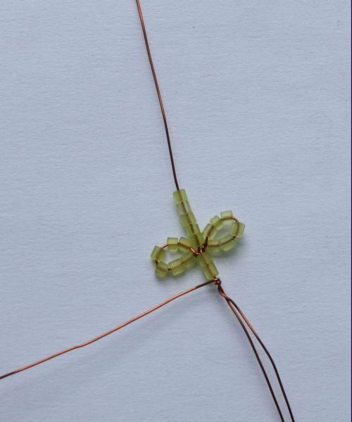 делаем листики для анемоны из бисера-3