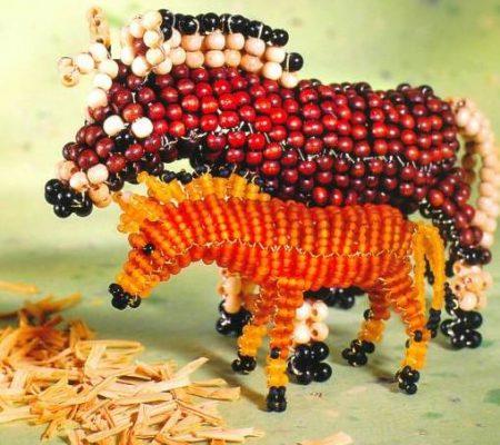 Объемная фигурка лошади из бисера