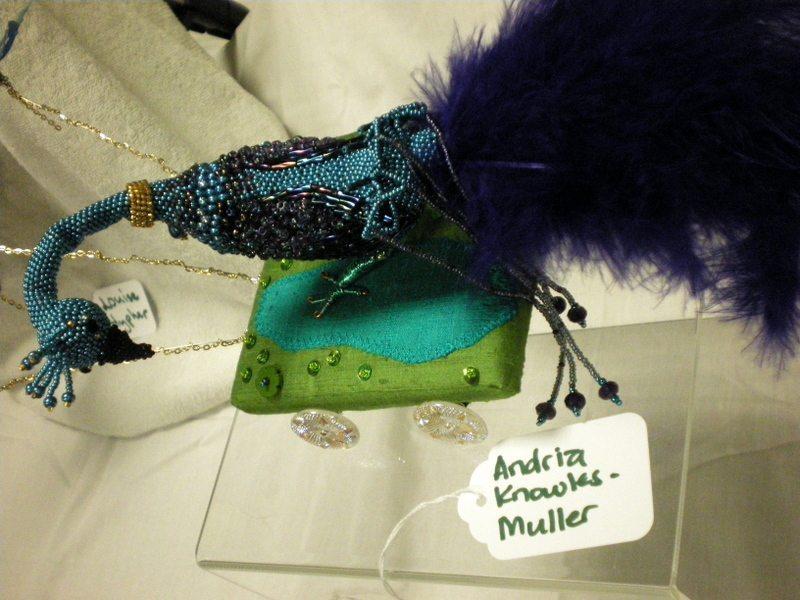 Вышивка и другое фигурка павлина из бисера - Плетение бисером.