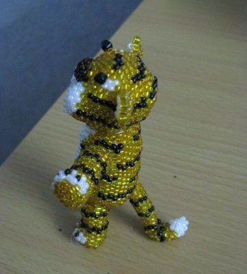 Тигр из бисера своими руками
