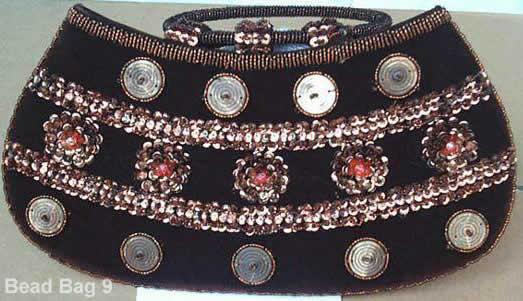 фото сумочки вышитой бисером-11