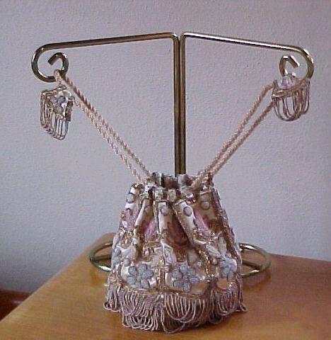 фото сумочки вышитой бисером-5