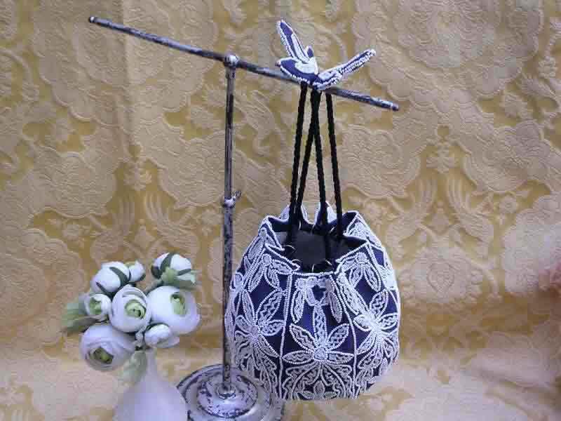 фото сумочки вышитой бисером-3