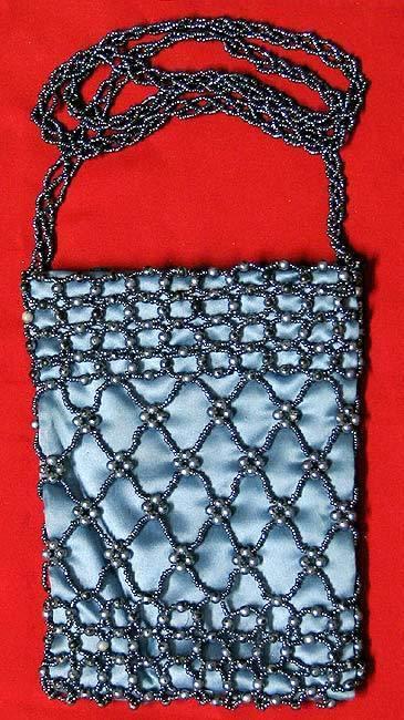 фото сумочки вышитой бисером-19