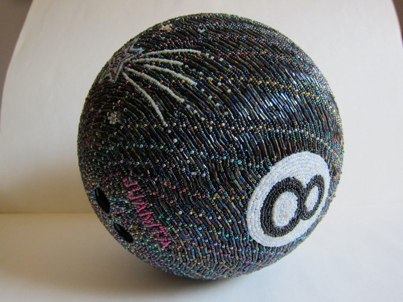 шар для боулинга из бисера