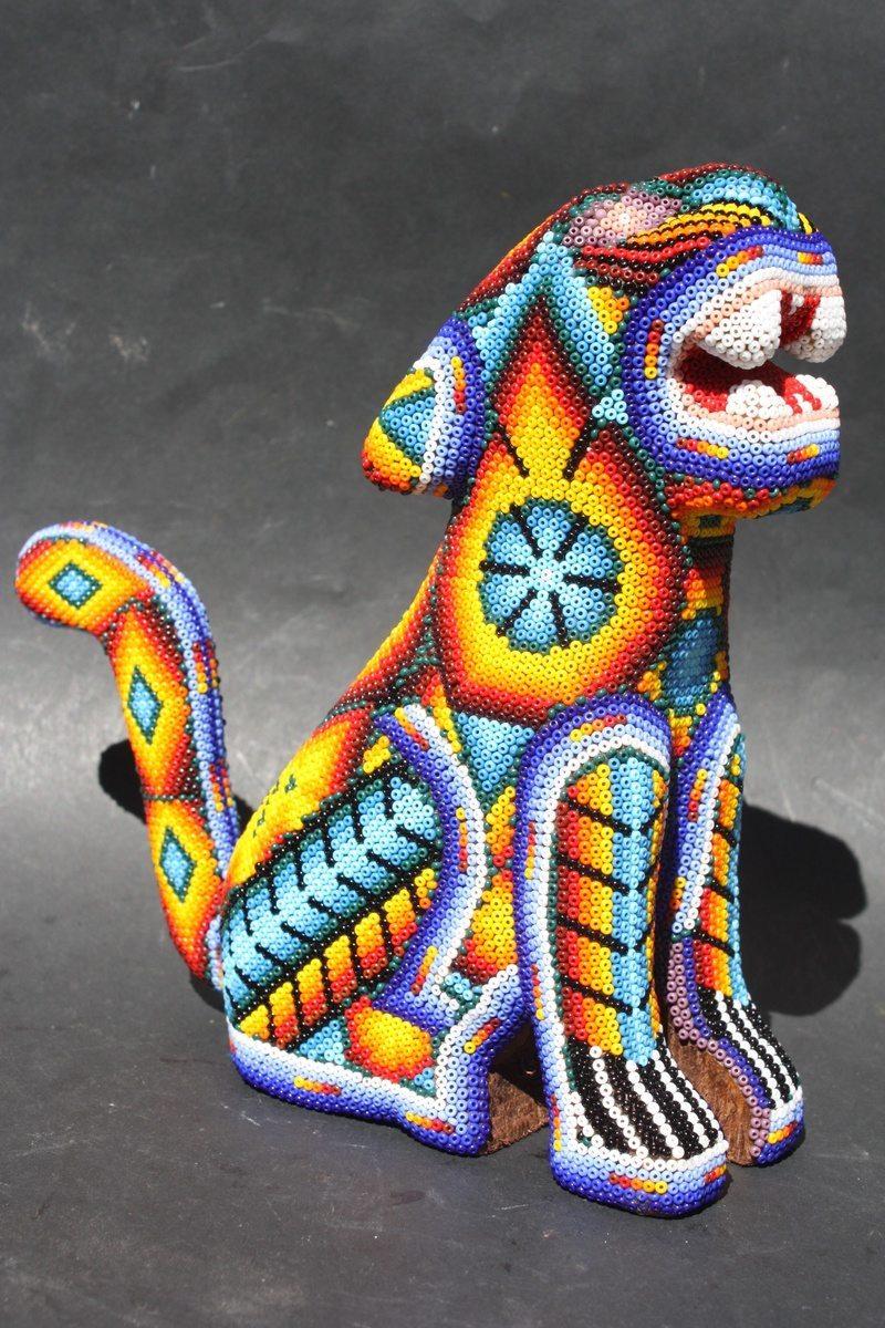 тигр из бисера народа уичоли