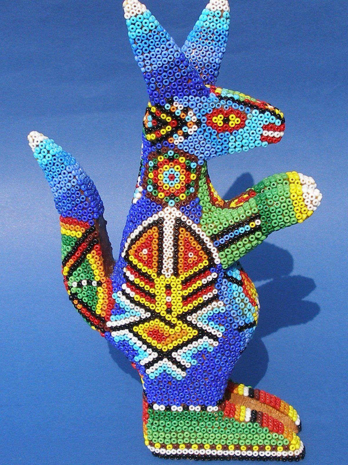 кенгуру из бисера народа уичоли