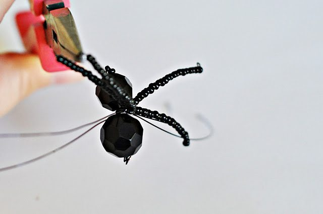 Паучок из бисера своими руками