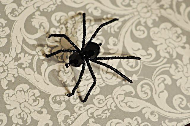 паук из бисера