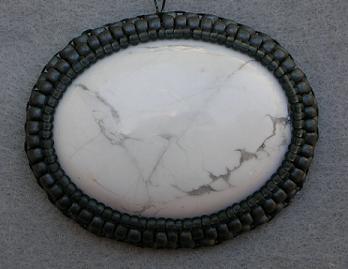 Оплетение кабошона бисером