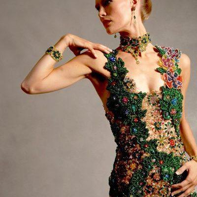 Изумрудное платье из бисера