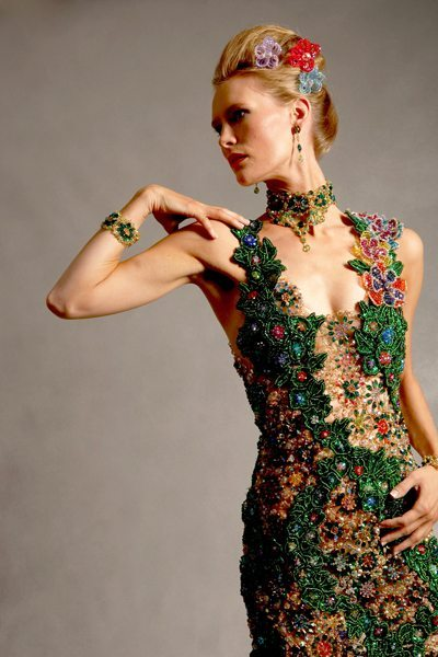 Зеленое вечернее платье из бисера