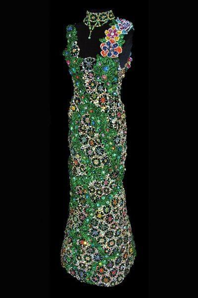 Изумрудное вечернее платье из бисера