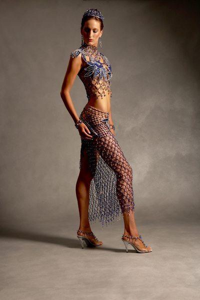 Прозрачное платье из бисера - видсбоку