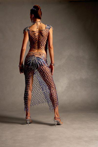 Прозрачное платье из бисера - вид сзади