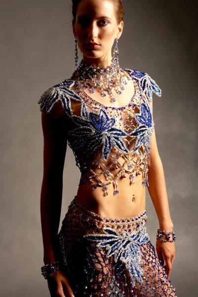 Платье сделанное из бисера
