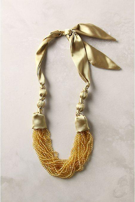 Ожерелье из бисера и атласа
