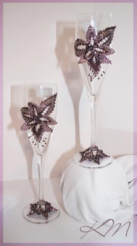 бисерный декор бокалов для свадьбы