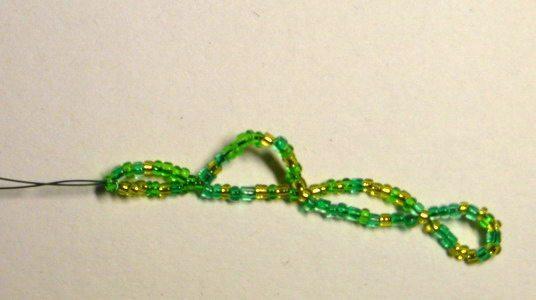 Елочка из бисера схема плетения 8