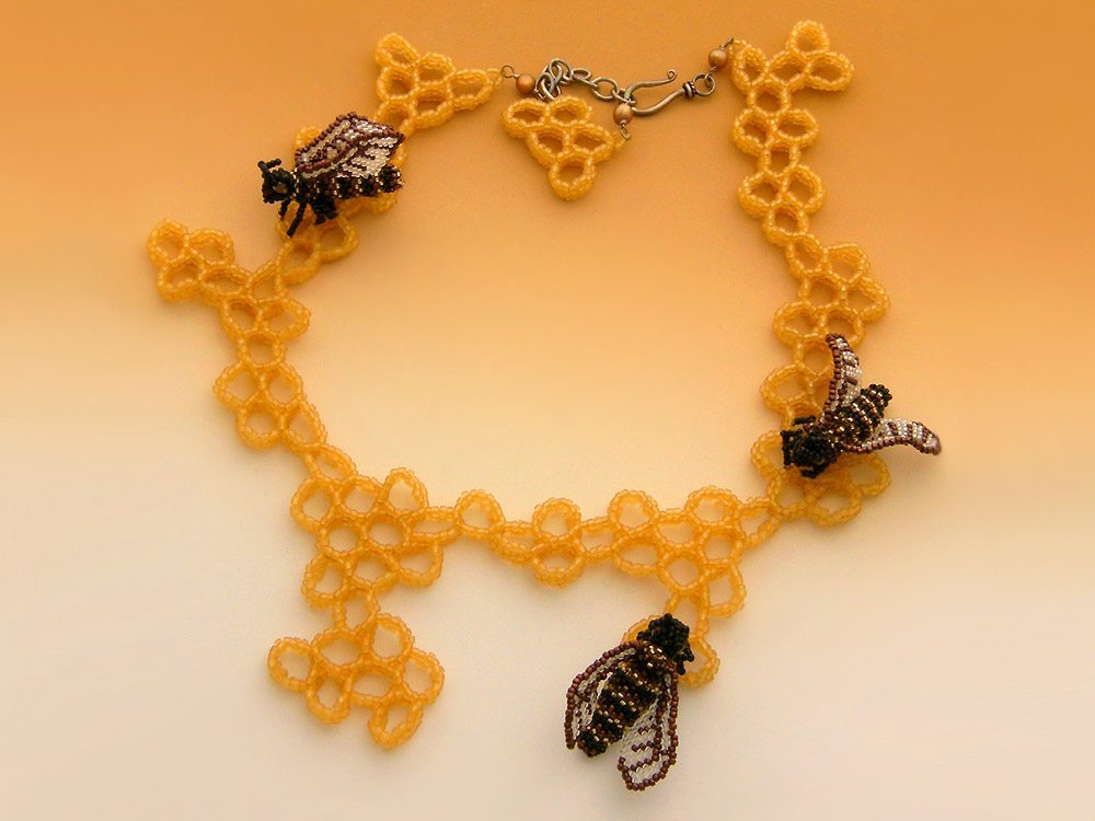 пчелы из бисера