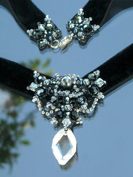 ожерелье в технике фриволите