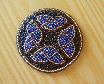 Бисерный кулон с кельтскими мотивами