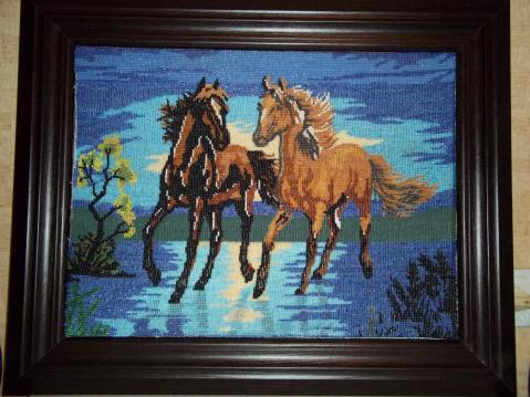 Бисероплетение схемы лошадь - Делаем фенечки своими руками.