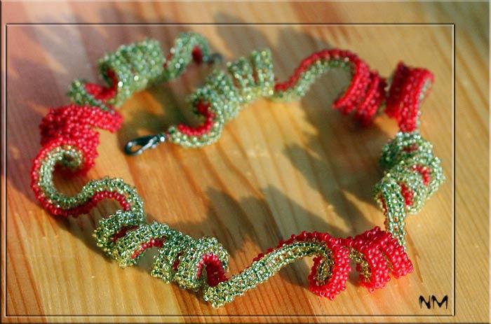 Плетение из бисера спирального квадратного жгута.  Мастер-класс.