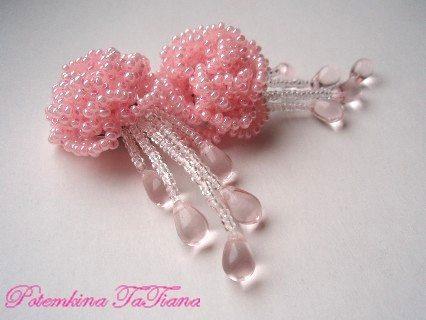 Бисерные серьги с розочкой