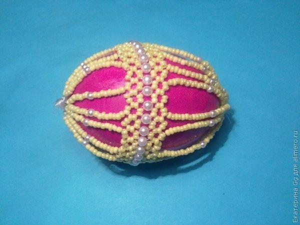 Пасхальный сувенир из бисера