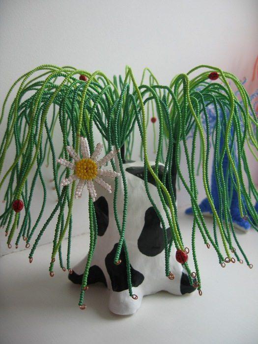 Мы уже вам представляли огромное количество МК по плетению из бисера обычных деревьев, которые можно встретить на...