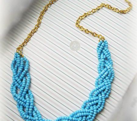 Бюрюзовое ожерелье из бисера