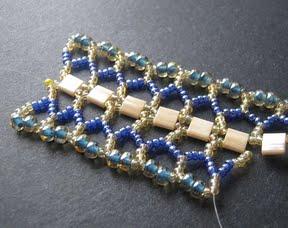 Ажурный браслет из бисера: схема плетения 11