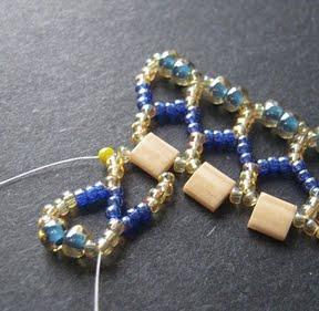 Ажурный браслет из бисера: схема плетения 9