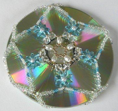 Украшаем диски бисером