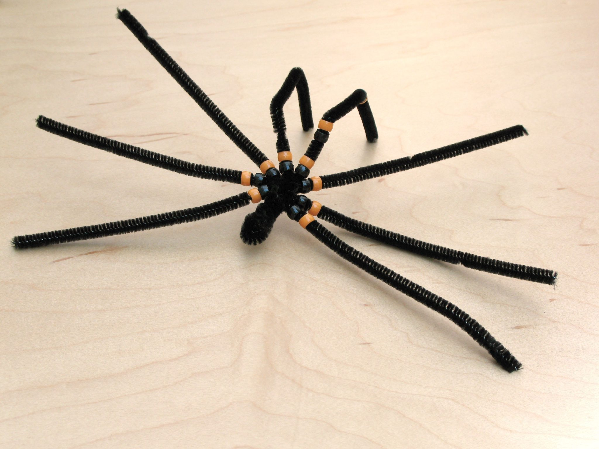 паук бисерный декоративный