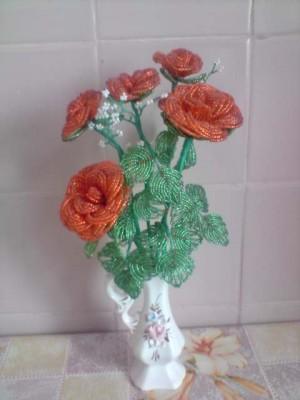чудесный букет роз из бисера