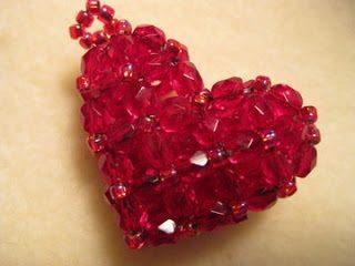 Брелок из бисера своими руками.  Объёмное сердце.