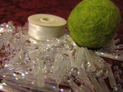 Кулон из бисера и стекляруса - материалы