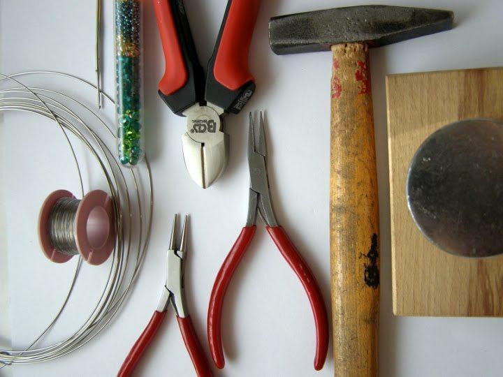Инструменты и материалы для плетения браслета из бисера