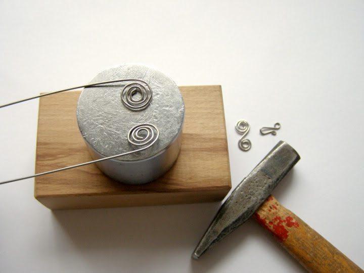 Плетение браслета из проволоки и бисера: мастер-класс 1