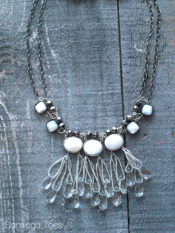 Ожерелье из бусин Ледяные капельки