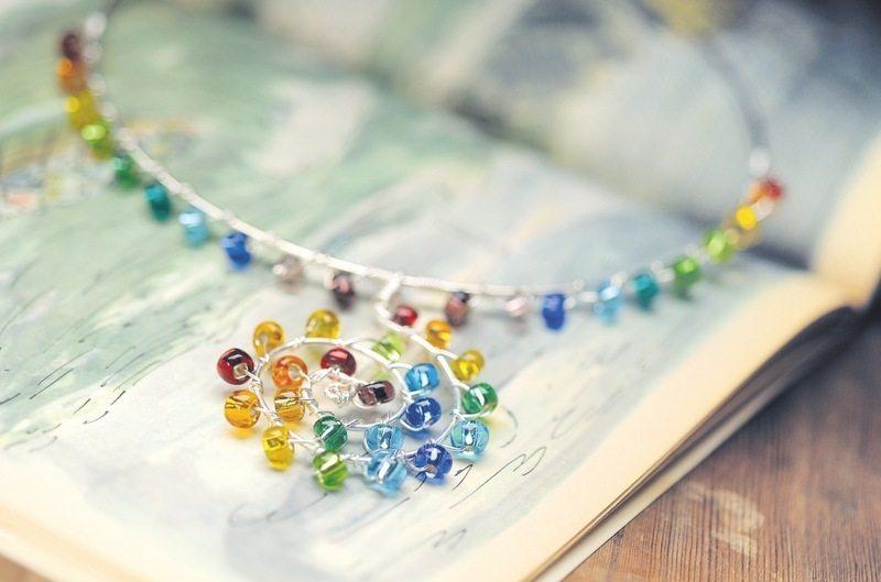 Радужное ожерелье своими руками