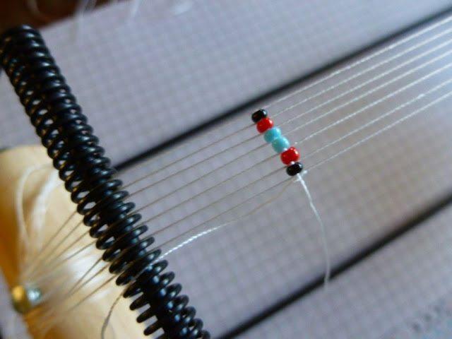 Как украсить кожаный браслет бисером: мастер-класс