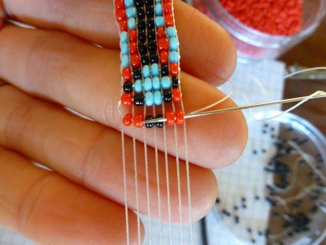 Как украсить кожаный браслет бисером: мастер-класс 1